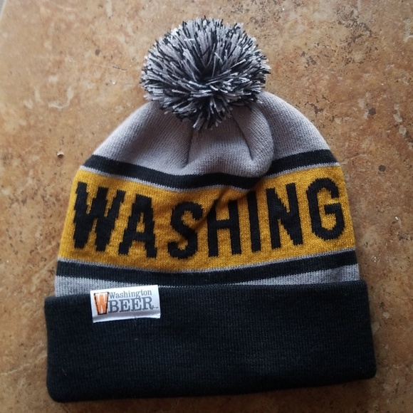 Washington Beer Pom Beanie NWOT 1930fb7a3715